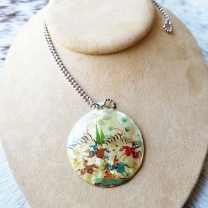 Jewelry - Vtg Handpainted Mother of Pearl Pendant Necklace